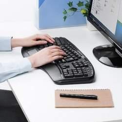 人間工学に基づいた「V字型キーボード」が登場、自然な姿勢で肩こりや疲労を軽減へ
