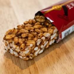 甘くない玄米×味噌シリアルバーの販売開始。腹持ちが良くダイエットや忙しい社会人に最適