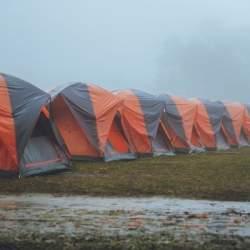 キャンプ向け「雨保険」が欧州で登場