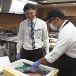 くら寿司の魚バイヤー、商品開発の舞台裏に密着!│サラリーマン番組案内