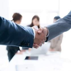 「事業譲渡・承継のマッチングプラットフォーム」が登場、後継者不足による廃業を解決へ