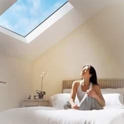 日本ピー・アイ、太陽光を再現する青空照明システムの国内販売を開始