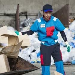 広島の廃棄物収集会社タイヨーが制服をスタイリッシュなデザインに刷新。リバースプロジェクトがプロデュース