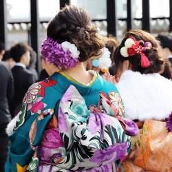 新成人の73%「いずれ結婚したい」、日本の将来が「明るい」は13%│LINEが1.5万人にアンケート
