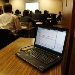 青森県庁、リアルタイム言語処理による議事録自動作成システムを導入へ。職員負担を軽減目指す