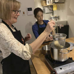 ラーメンが寿司を抜き1位に 「airKitchen」がインバウンド向け料理教室ランキングを発表