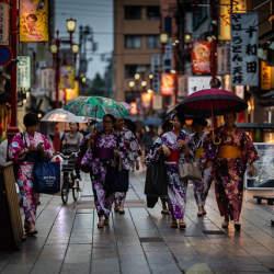 中華圏の訪日観光客は欧米豪圏より6倍買い物 インバウンド消費調査を発表