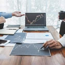 東海東京証券、顧客向けにロボアドバイザー投資運用サービスを開始 お金のデザインと協業