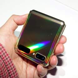5Gを生かすサムスン「Galaxy S20」シリーズ&縦折りスマホ「Galaxy Z Flip」の強みとは【石野純也のモバイル活用術】