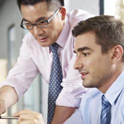 日本で働く外国人に聞いた「日本の働く現場が変えるべきところは?」第1位は「履歴書の書き方」