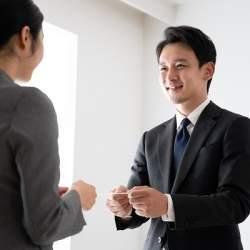 敬語の基本やSNSマナーなど、新入社員向け「ビジネスマナー研修動画」50本が無償公開