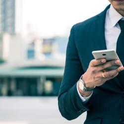 日経電子版NEWSが20代のリスナーへ向けて、音声アプリ「REC.」にて配信スタート