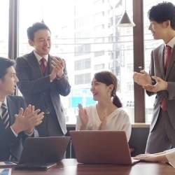 現役のお笑い芸人が講師!松竹芸能など3社が企業研修「笑育」を共同企画