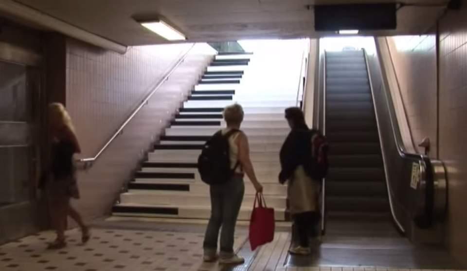 エスカレーターにしか乗らなかった人が、階段を使いたくなる斬新なアイデア「PianoStairs」 3番目の画像