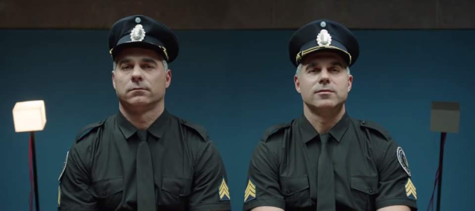 「ガムを噛んでる噛んでないでは、どちらが好印象?」一卵性双生児を使ったガムメーカーの社会実験 5番目の画像