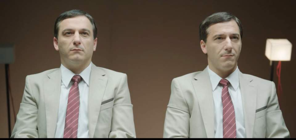 「ガムを噛んでる噛んでないでは、どちらが好印象?」一卵性双生児を使ったガムメーカーの社会実験 6番目の画像
