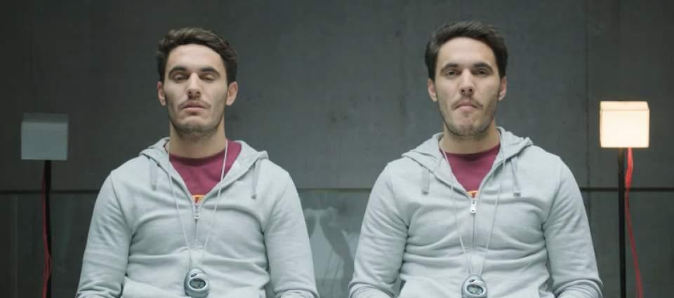 「ガムを噛んでる噛んでないでは、どちらが好印象?」一卵性双生児を使ったガムメーカーの社会実験 7番目の画像