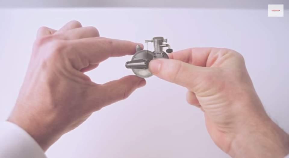 """ナットからロボットまで―ホンダの65年を2分間で振り返る話題のCM「Honda """"Hands""""」 2番目の画像"""