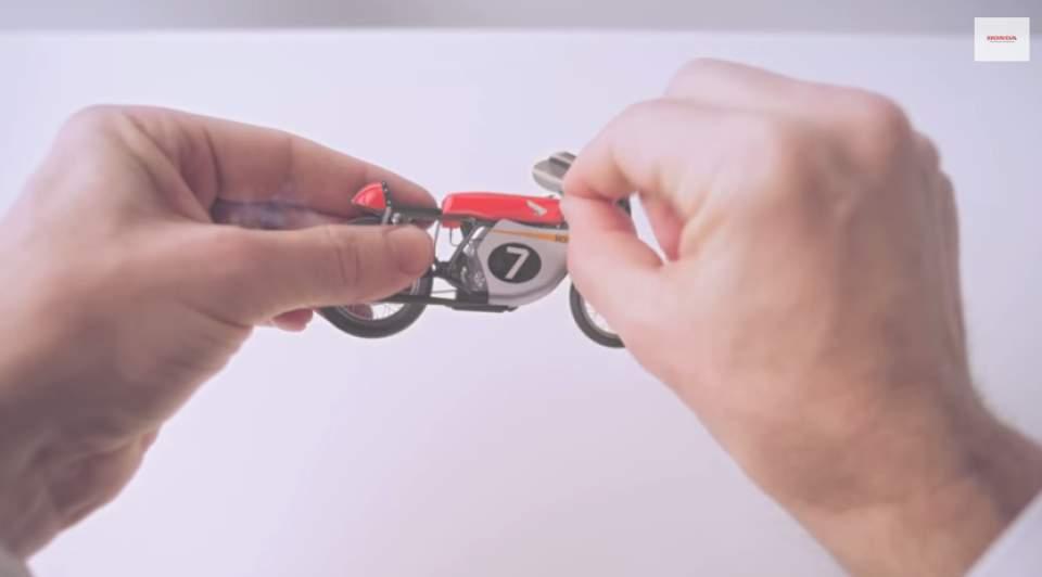 """ナットからロボットまで―ホンダの65年を2分間で振り返る話題のCM「Honda """"Hands""""」 4番目の画像"""