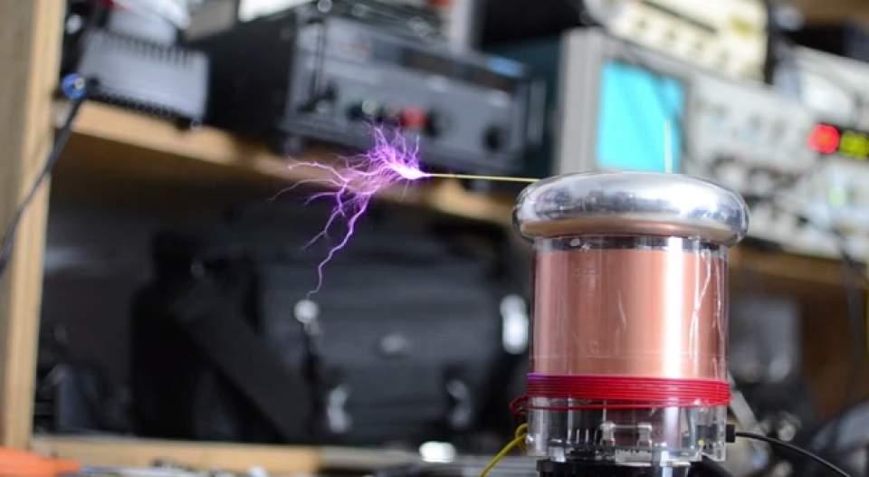 稲妻で奏でるメロディ!MITが開発した楽器になる自作型テスラコイル「tinyTesla」 2番目の画像