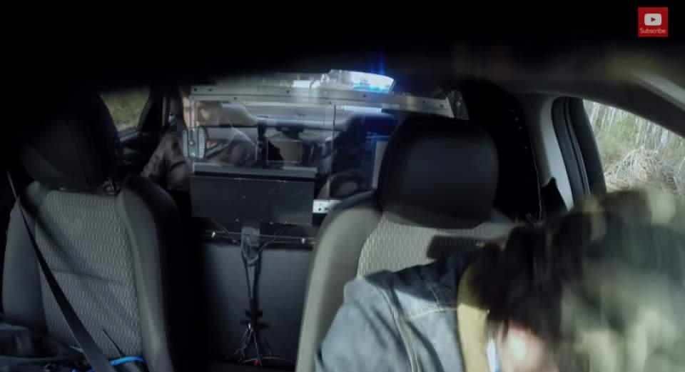 【動画】過激すぎるペプシのドッキリ!失神寸前のターゲットは、暴走タクシーから降りられるのか… 7番目の画像