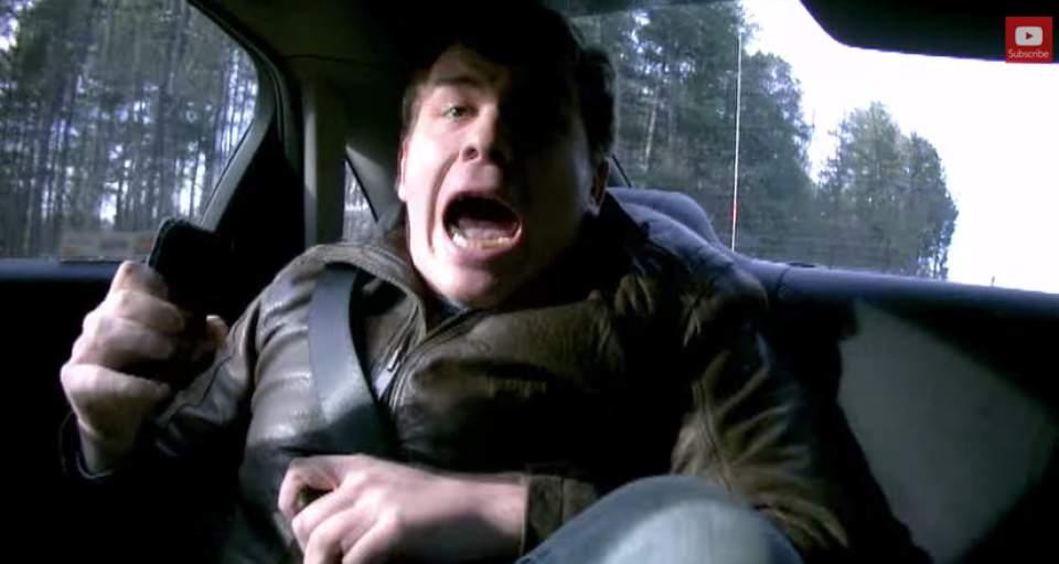 【動画】過激すぎるペプシのドッキリ!失神寸前のターゲットは、暴走タクシーから降りられるのか… 1番目の画像