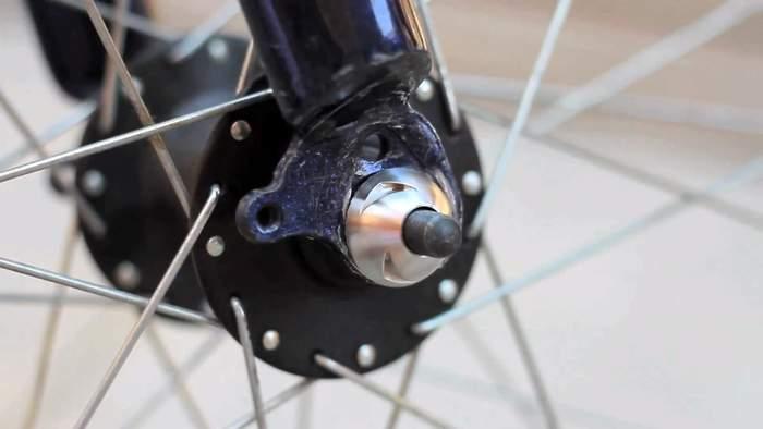 もう重いホイールロックは必要無い!ロードバイクを完璧に守る対泥棒用ガジェット「Nutlock」 5番目の画像