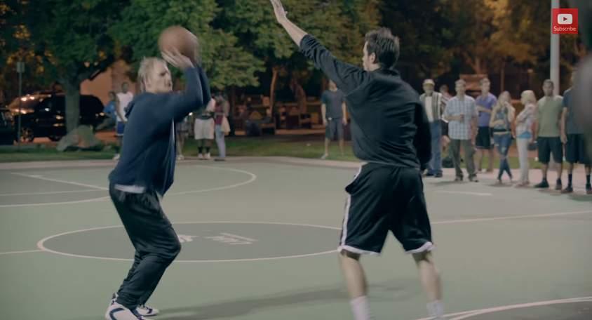 バスケ界に新生あらわる!史上最強の老人コンビが、ストバスの若者を滅多打ちにする。その正体は…。 9番目の画像