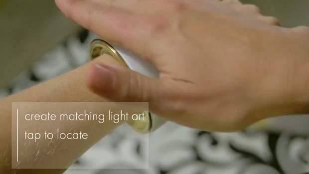 おしゃれで幻想的なライト。服に合わせてカラーを変えるブレスレット型デバイス「elemoon」 5番目の画像