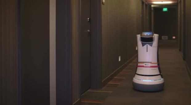 ロボットがルームサービスを届けてくれる!?海外ホテルで働く執事ロボットが本当に全自動だった 1番目の画像