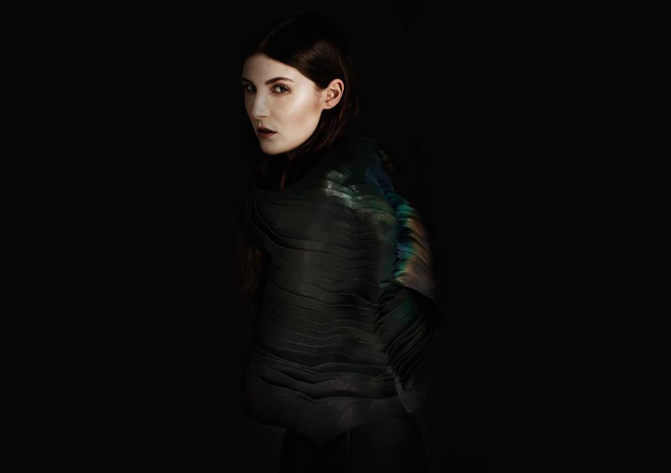 服の色が変わる!?ロンドンで誕生した科学と技術が融合した洋服がぶっ飛びすぎ 3番目の画像