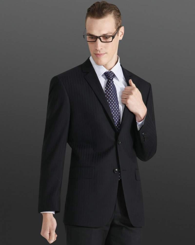 とりあえず揃えておきたい、王道ビジネスファッションのコーディネート4選 2番目の画像