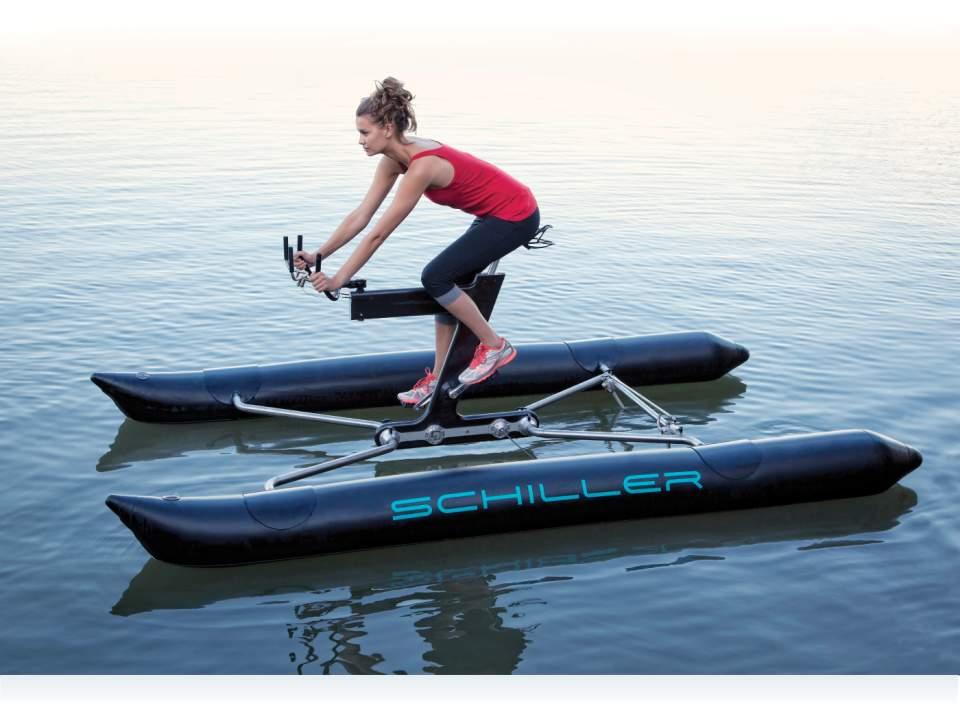 自転車が水上を走ってる!?まるで自転車を漕ぐように水上を移動出来るボート型自転車「the X1」 2番目の画像