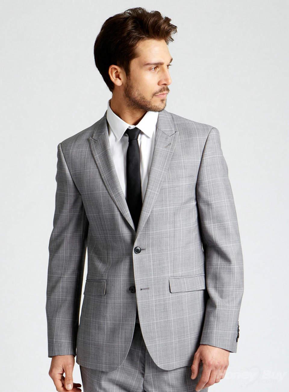 とりあえず揃えておきたい、王道ビジネスファッションのコーディネート4選 3番目の画像
