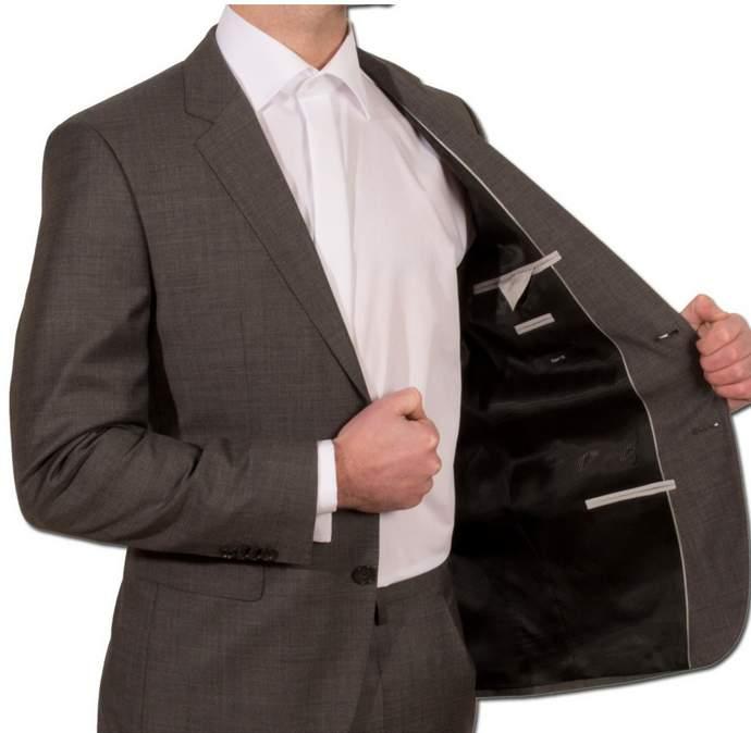 全ての男性ビジネスパーソン必見!知っておくとちょっと得するスーツの着こなし5つのルール 4番目の画像