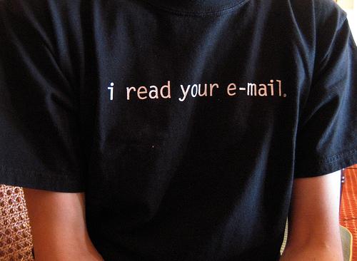 相手への配慮を心がけることが最重要! 取引先への依頼のビジネスメールの書き方 1番目の画像