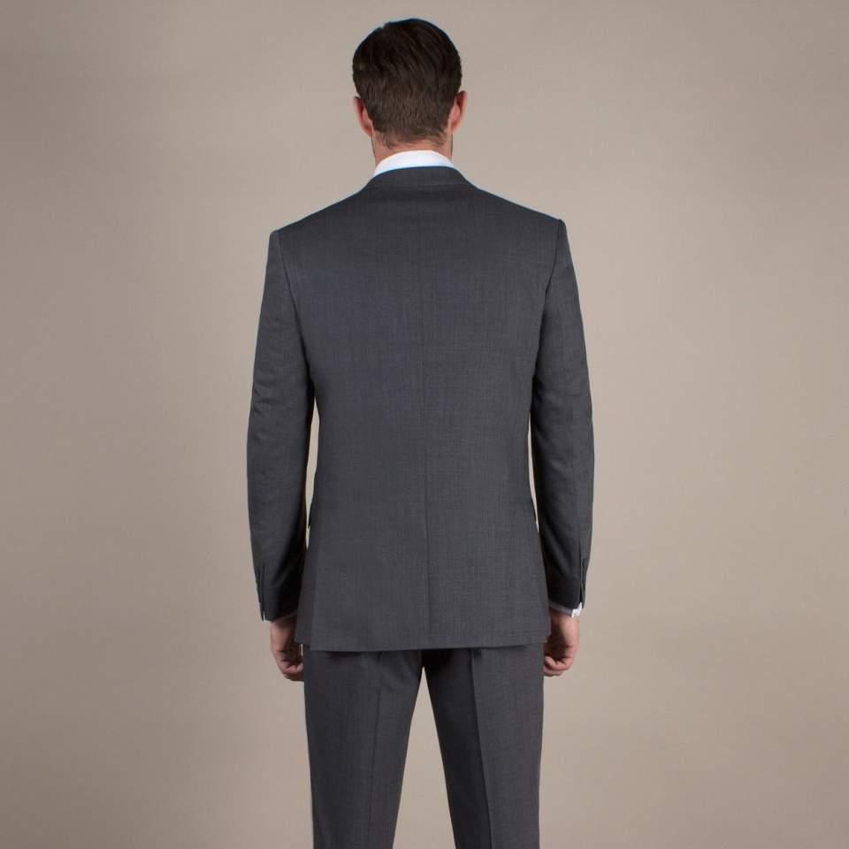 全ての男性ビジネスパーソン必見!知っておくとちょっと得するスーツの着こなし5つのルール 5番目の画像