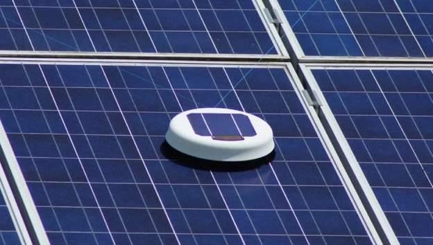 ルンバみたいでかわいい!ソーラーパネルを清掃してくれるロボット「Scrobby Solar」 4番目の画像