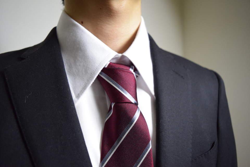 スーツの印象はVゾーンで決まる!スーツをしっかり着こなすVゾーンの3つのポイント 4番目の画像