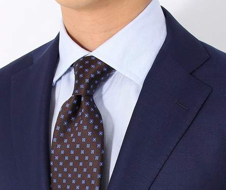 スーツの印象はVゾーンで決まる!スーツをしっかり着こなすVゾーンの3つのポイント 2番目の画像