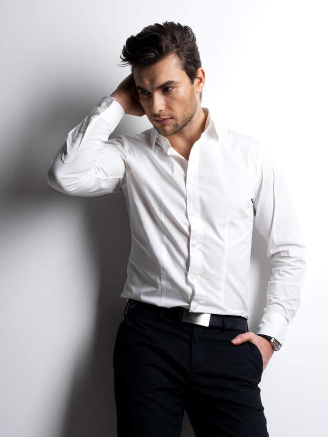 ワイシャツは生地×機能性で。ワイシャツの選び方を変えればこだわりの一着が見つかります 1番目の画像