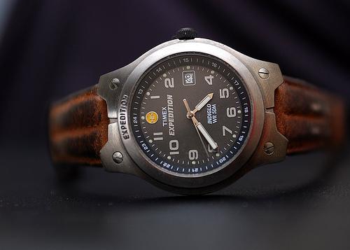 清潔な状態を保つことは身だしなみの基本! 時計を綺麗に保つ手入れの仕方 1番目の画像