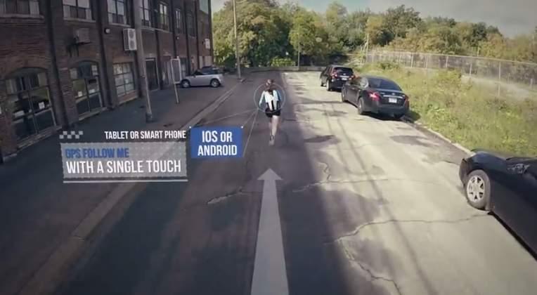 撮る!喋る!追いかける!GPSで追いかけてくるドローン「Plexi Drone」がカッコかわいい 1番目の画像