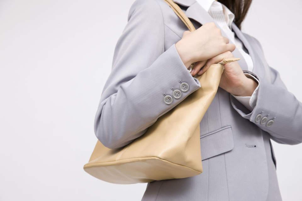 バッグを変えれば仕事もしやすく。働く女性を機能性でお助けする通勤バッグの選び方4つ 1番目の画像