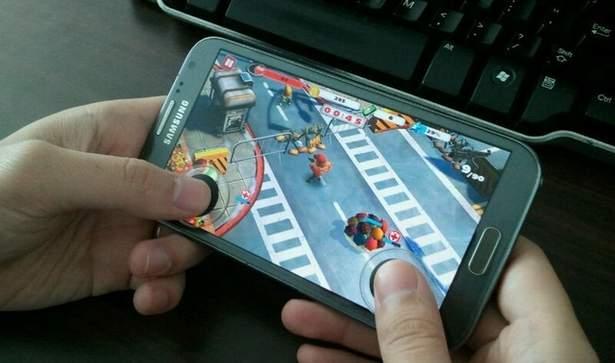スマホはもう、ゲーム機です。スマホにつける3Dジョイスティック「TactSlider」 1番目の画像