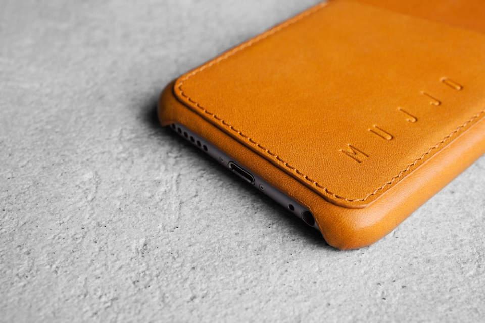 馴染むほどに味が出る。本革の質感が美しい「MUJJO」のレザーケースでiPhone 6を上品に 1番目の画像