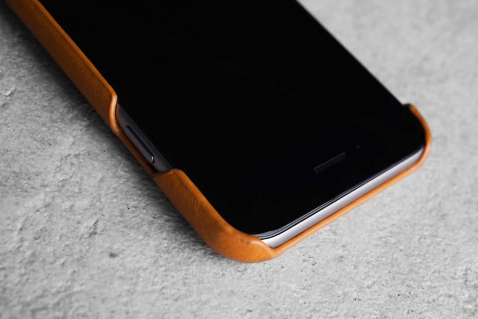 馴染むほどに味が出る。本革の質感が美しい「MUJJO」のレザーケースでiPhone 6を上品に 2番目の画像