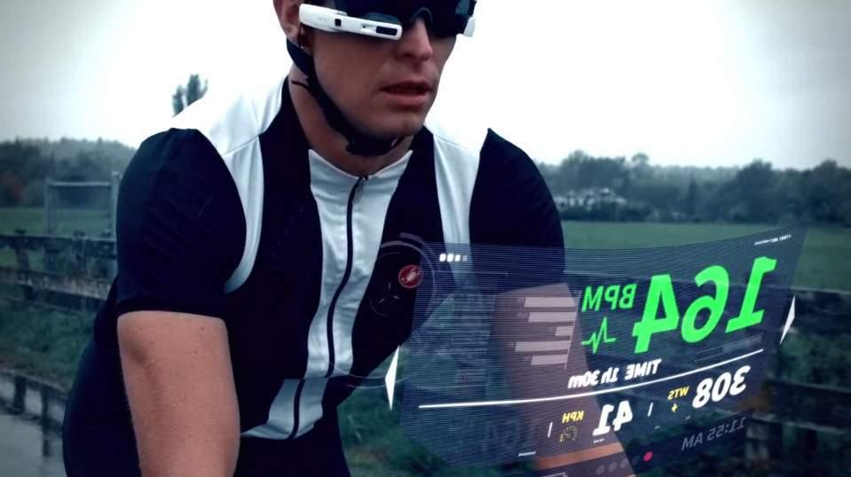 もうSFの世界はそこに。スポーツマンの全てを表示するメガネ型ウェアラブル「JET」 4番目の画像