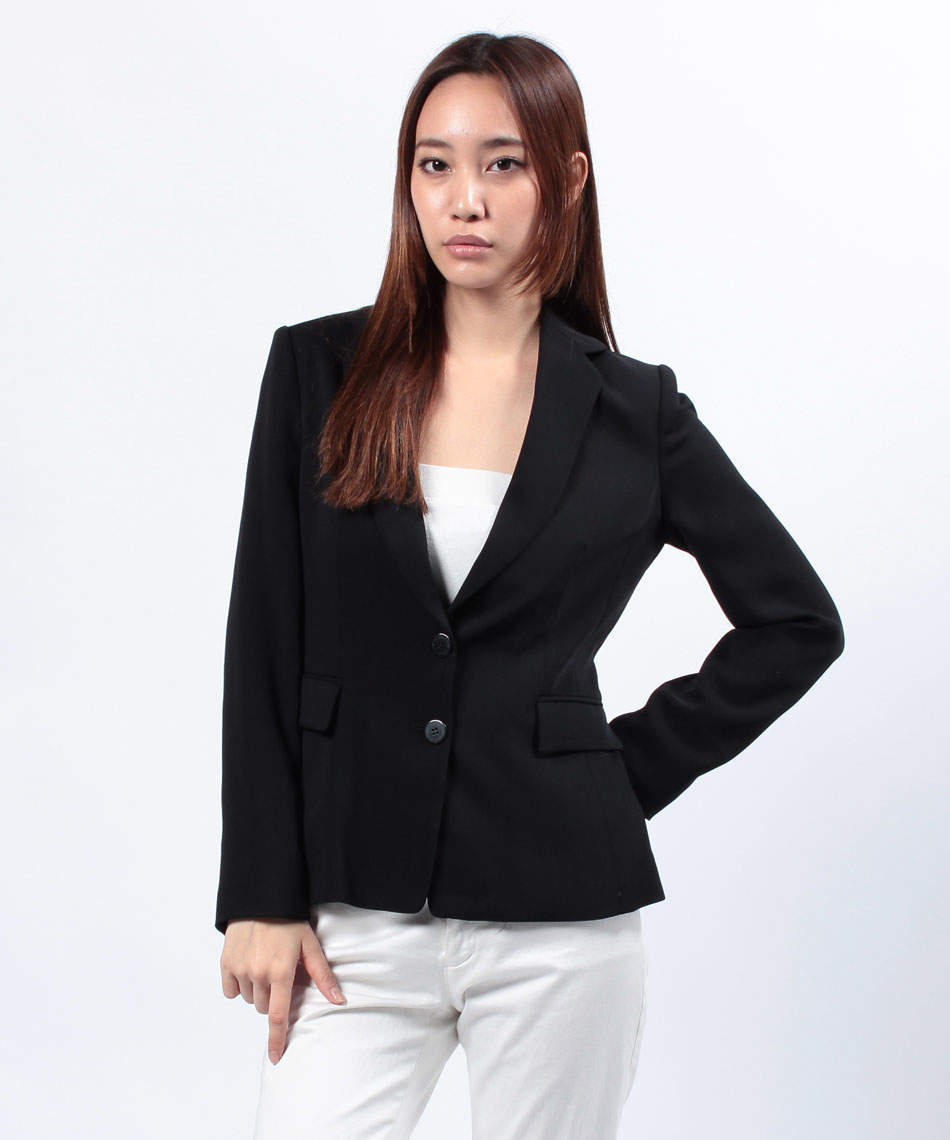どこまでアリでどこからがダメ? 誰も教えてくれなかった女性版オフィスOK服とNG服 3番目の画像