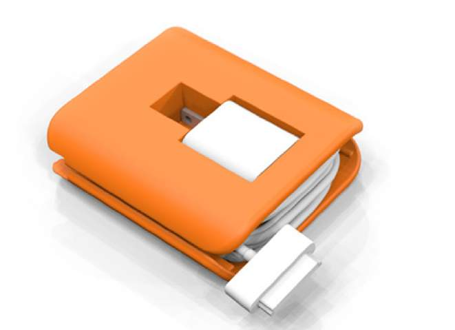 使わない時も、充電中もスマートに。ケーブルを収納しておけるiPhone用『充電器ホルダー』 2番目の画像